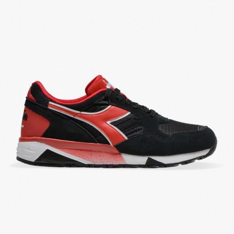 N9002 - Nero/rosse scuro